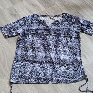 Patterned Shirt with Cinched Sides